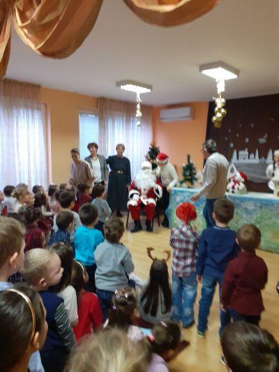 Посрещане на дядо Коледа в ДГ - м.декември 2019г. - ДГ 105 Ракета - София