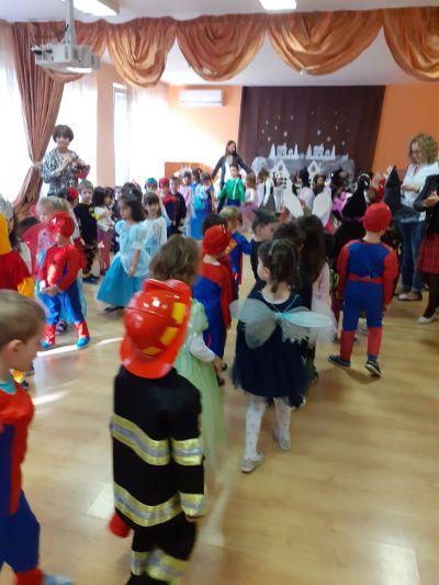 Приказен карнавал за децата от 1 и 2 група - ДГ 105 Ракета - София
